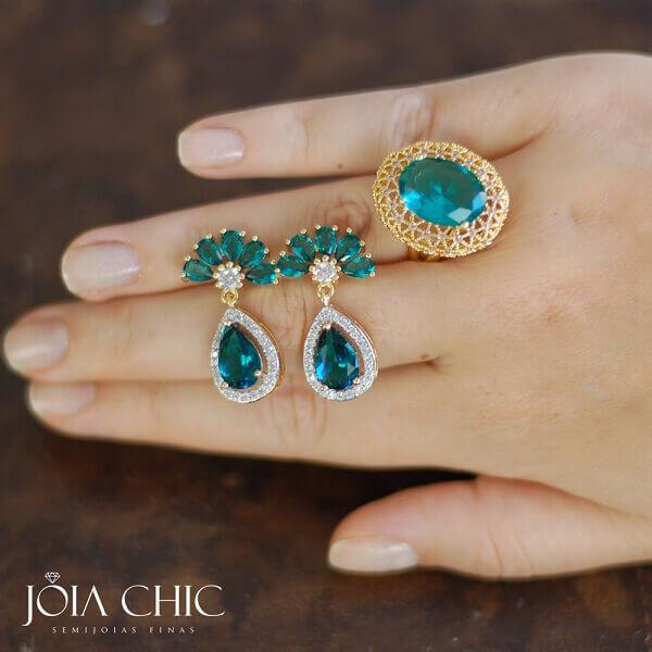 Brinco de Pedra Verde em Tons Esmeralda!